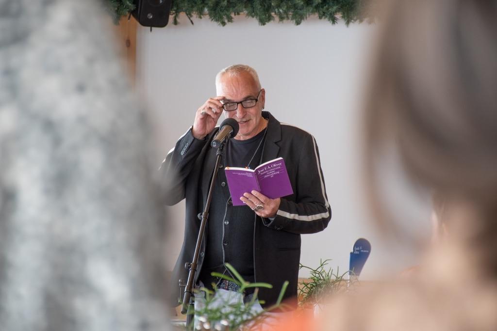 Lesung von Autor José Oliver beim Literaturevent in Oberlech am Arlberg
