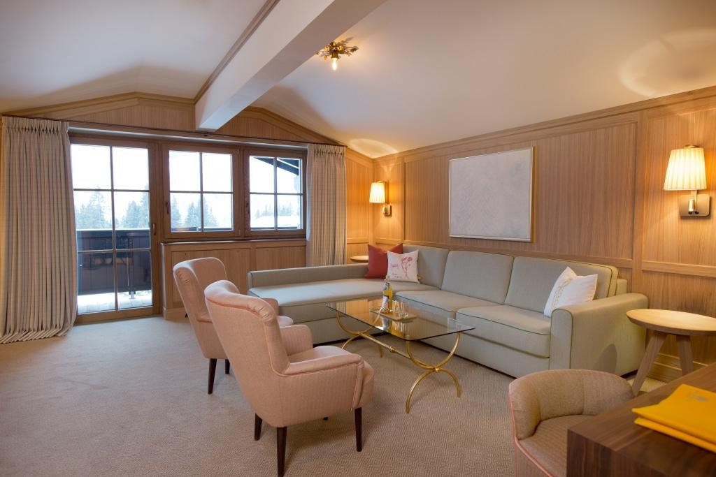 Eleganter Luxus in der Platin Plus Suite im 5 Sterne Hotel Lech Stammhaus Sonnenburg