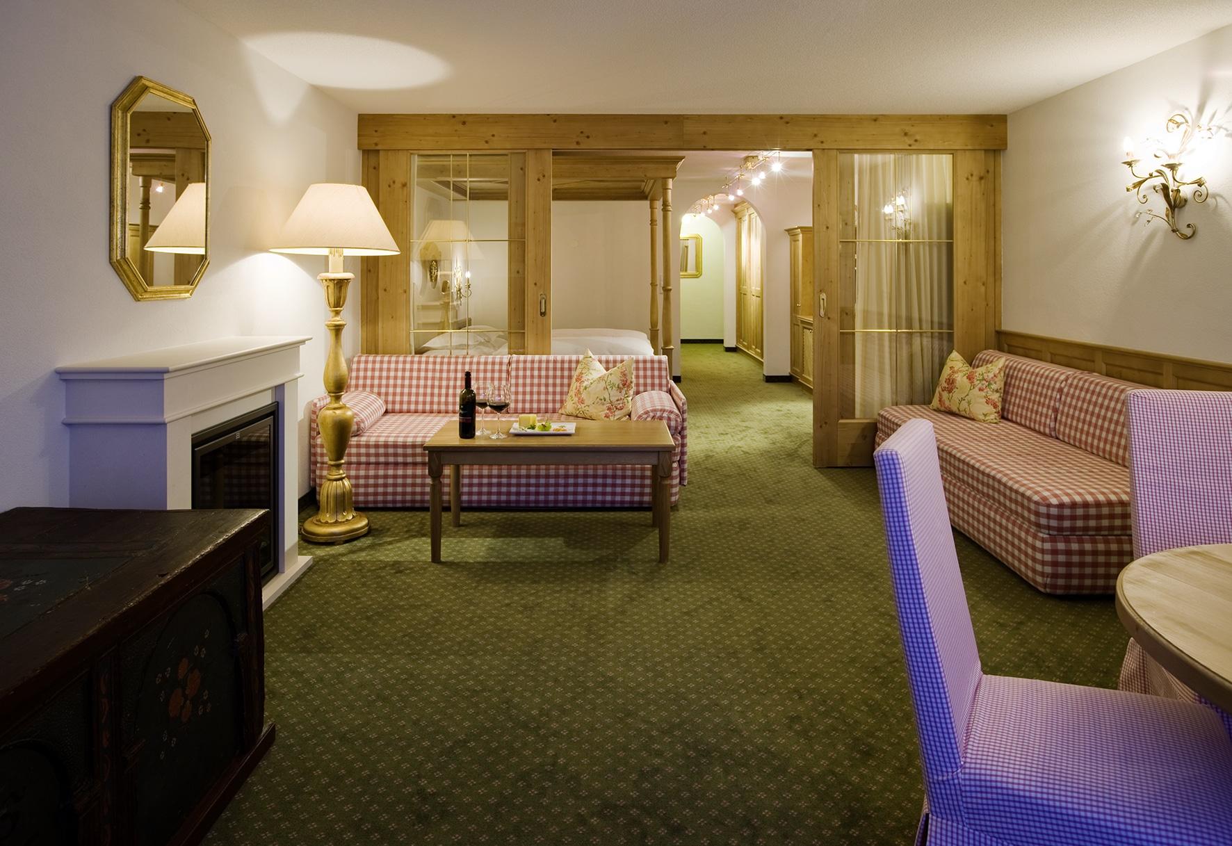 Das Landhaus Sonnenburg ist ein exklusives 4 Sterne Superior Hotel in Lech am Arlberg.