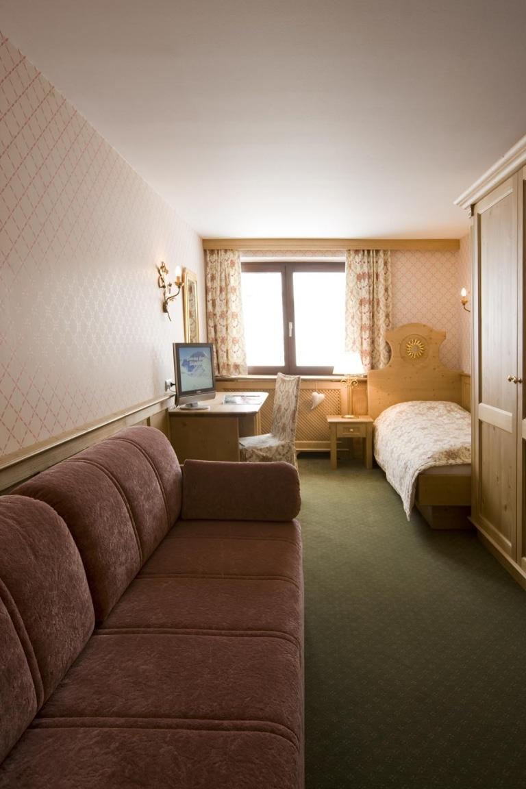Zimmer für Alleinreisende im Landhaus des Hotel Sonnenburg in Oberlech am Arlberg