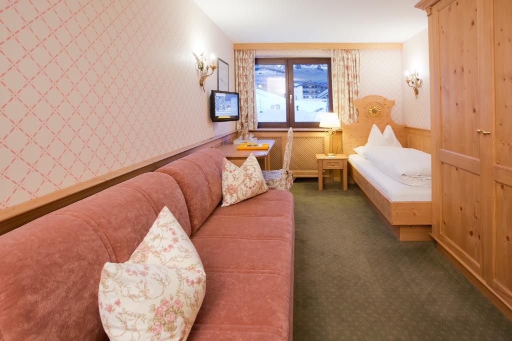 Im Landhaus Sonnenburg finden sich viele Einzelzimmer Lech am Arlberg, die sich ideal für Alleinreisende und Tagungsgäste eignen.