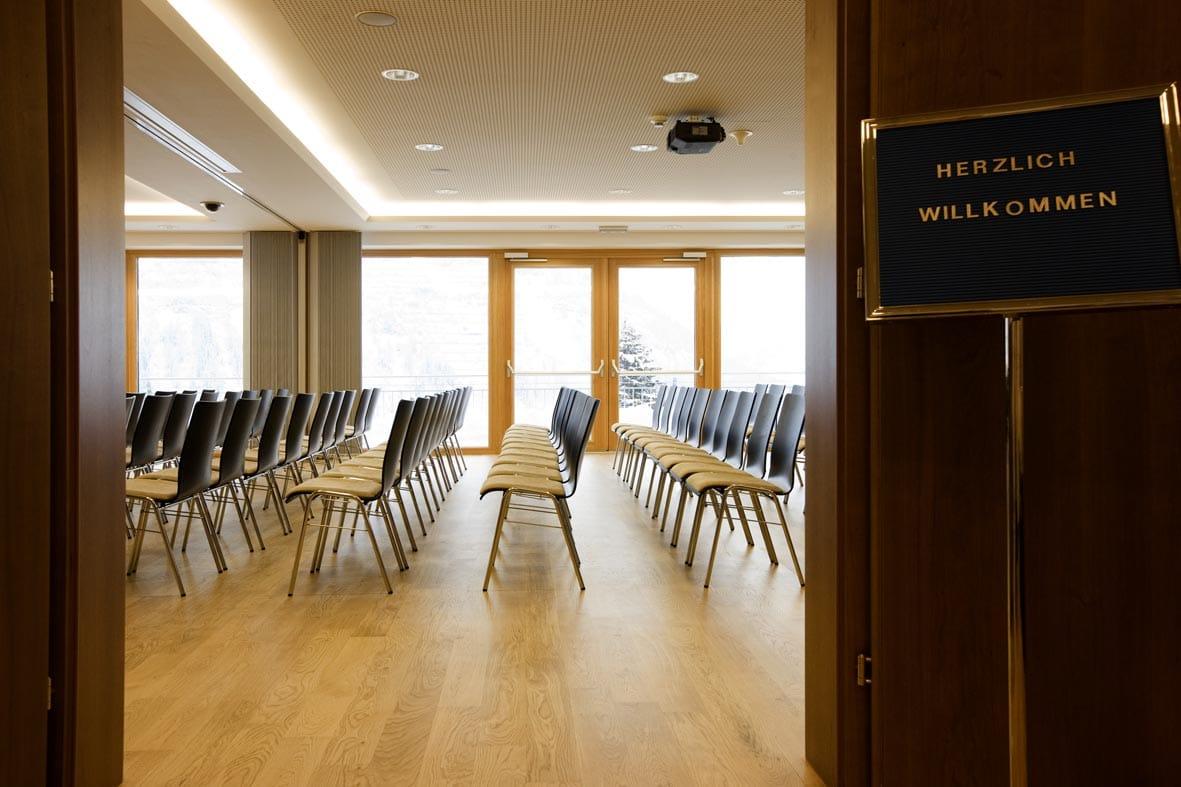Bestuhlter Konferenzraum für einen Kongress im Kongresszentrum des Tagungshotel Sonnenburg