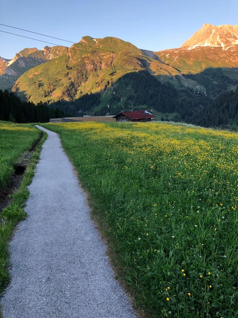 Ihre Anreise im Sommer nach Oberlech am Arlberg