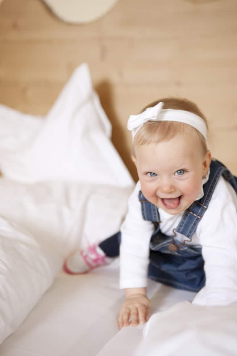 Das Familienhotel Sonnenburg in Lech am Arlberg sorgt für perfekte Ferien mit Baby in Österreich