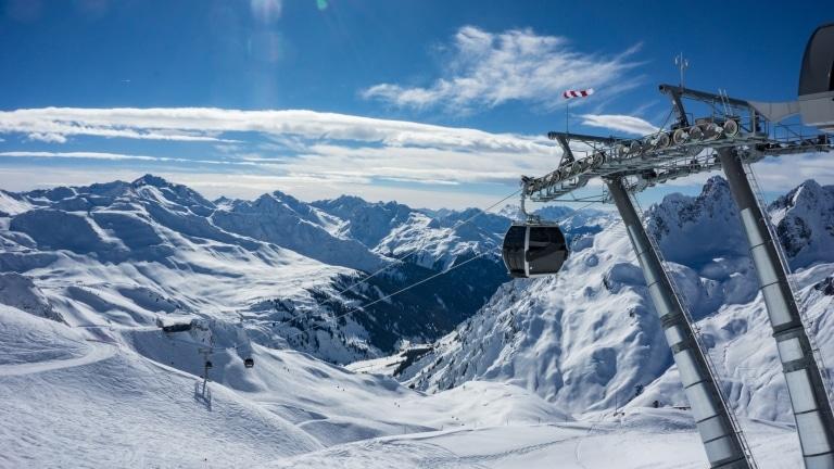 Über 300 Pistenkilometer erwarten Sie im Skigebiet Lech Zürs