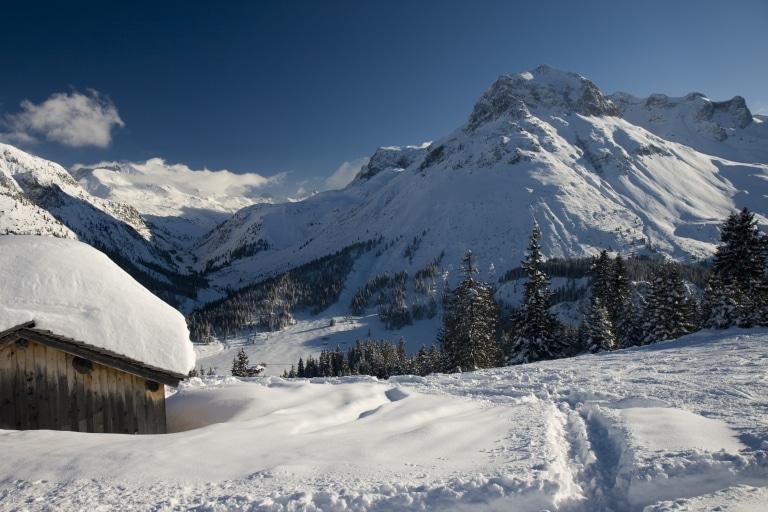 Erkunden Sie die Winterwanderwege in Lech