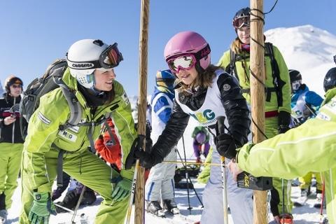 Beim Skifahren in Oberlech werden die Kinder von Profi-Skilehrern betreut