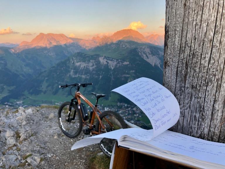 Ihren Familienurlaub in den Bergen von Oberlech können Sie auf dem Rad verbringen