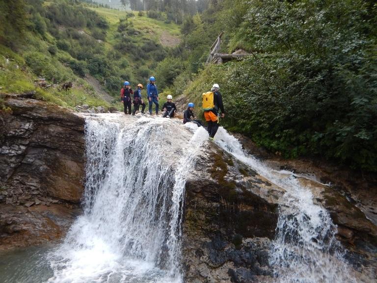 Der Arlberg ist einer der Hotspots für Canyoning für Kinder in Österreich