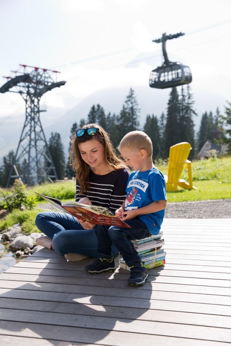 Das Familienhotel Sonnenburg in Oberlech am Arlberg ist ein Hotel mit Kinderbetreuung in Österreich