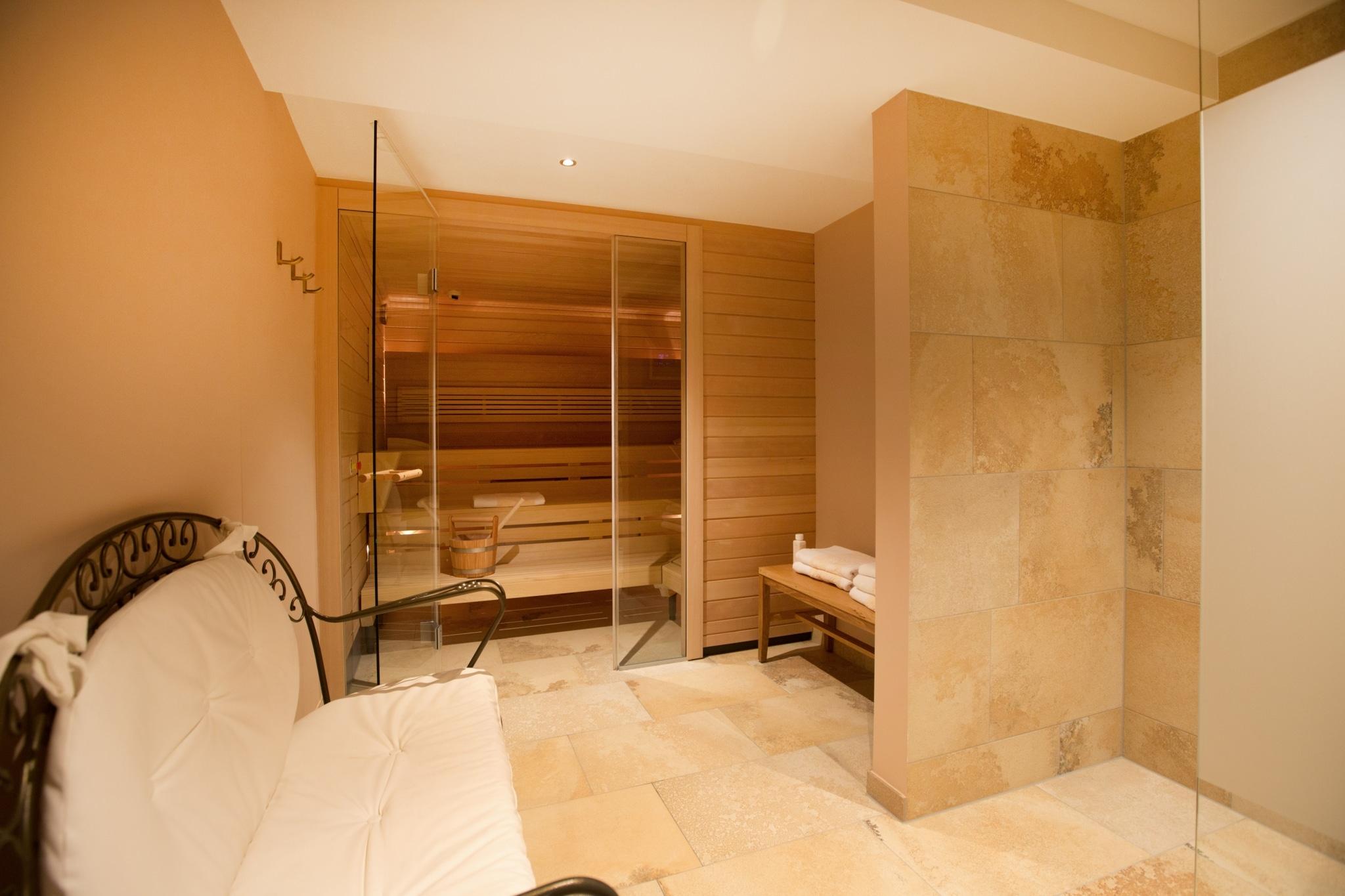 Symbolbild Hotel Familiensauna: Als Hotel mit Schwimmbad und Sauna darf in der Sonnenburg auch die Hotel Familiensauna nicht fehlen.