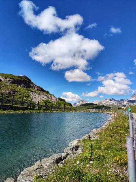 Erklimmen Sie die großen und kleinen Gipfel beim Mountainbiken am Arlberg