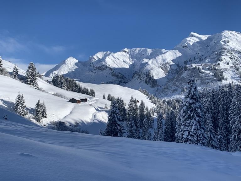 Über 40 Kilometer präparierte und speziell markierte Winterwanderwege in Lech am Arlberg