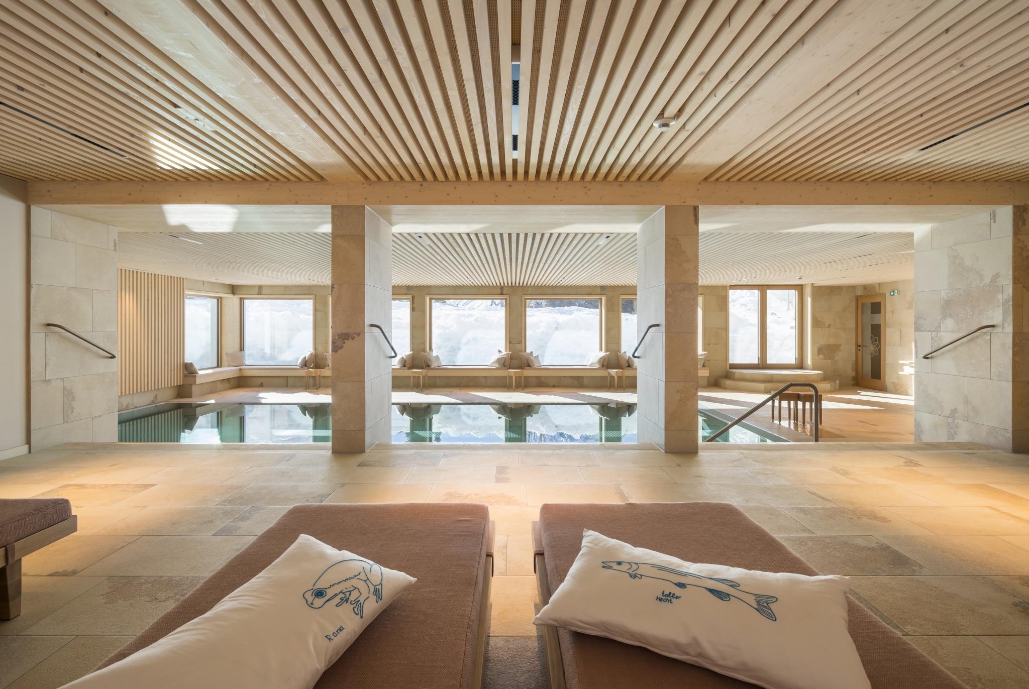 Die Sonnenburg in Lech am Arlberg ist ein Hotel mit Pool