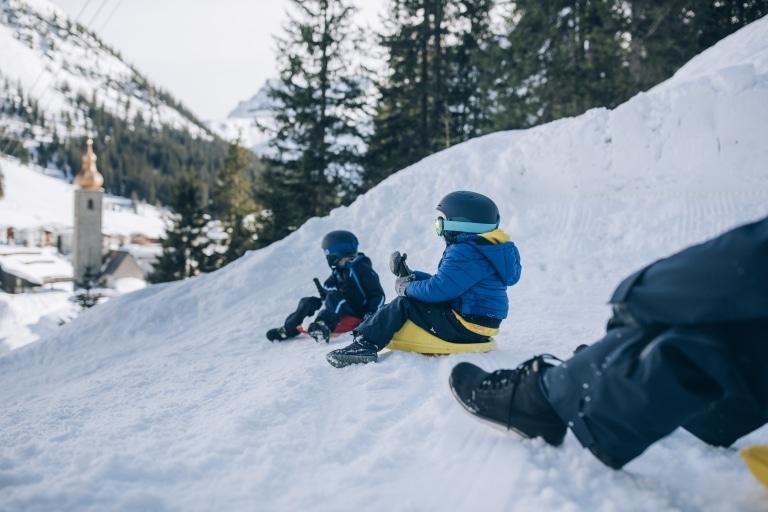 Rodeln am Arlberg ist ein großer Spaß für Klein und Groß