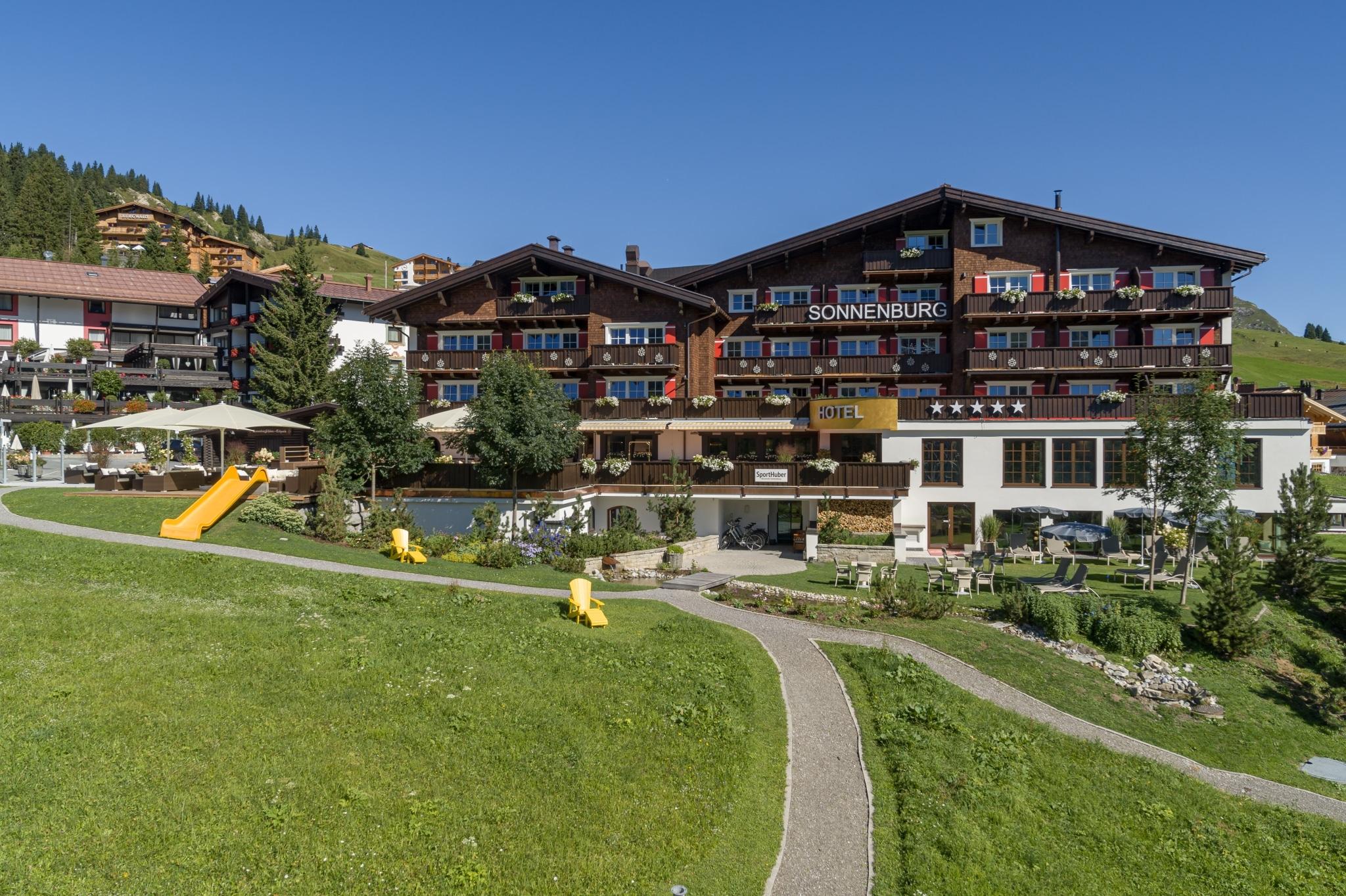 Sonnenburg Wanderhotel in Oberlech am Arlberg