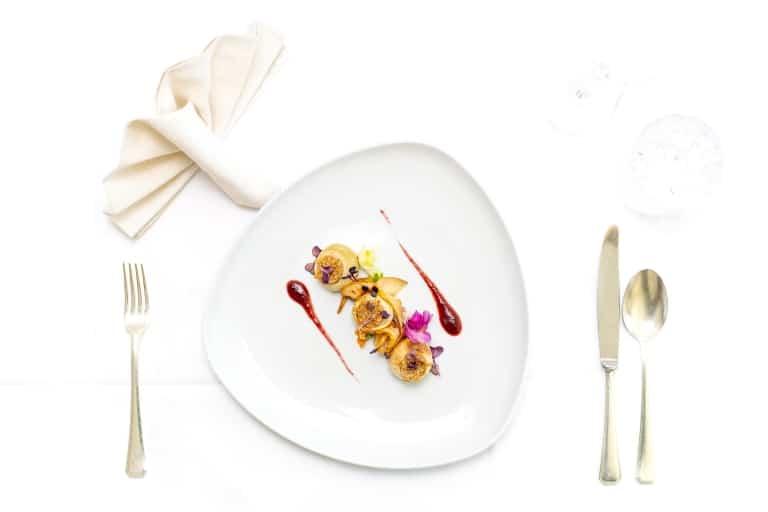 Beim Essen im 5-Sterne-Hotel Sonnenburg in Lech am Arlberg haben Sie stets die Wahl, eine vegetarische Alternative ist garantiert.