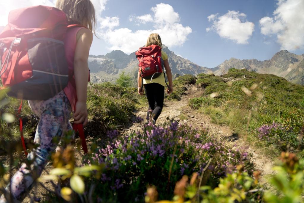 Familienwanderung in den Lecher Bergen
