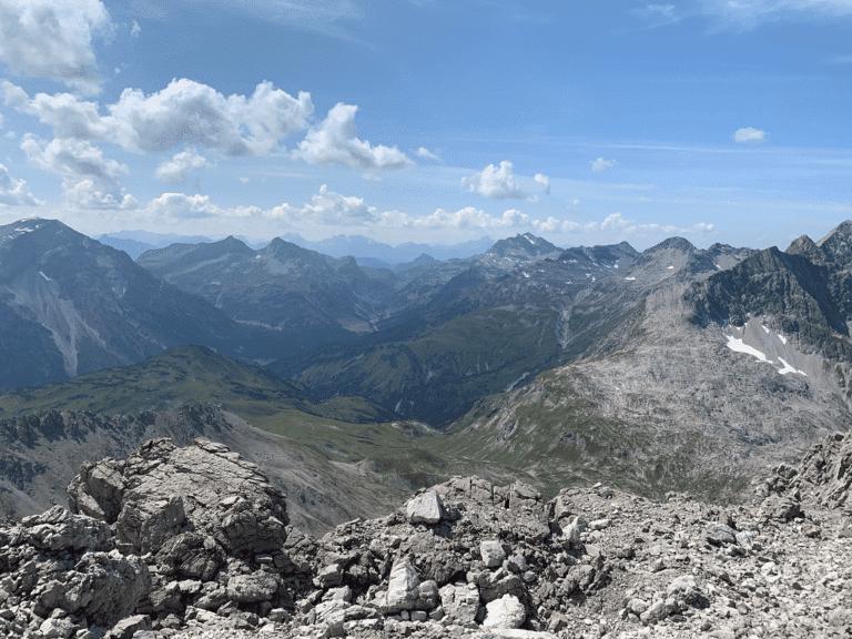 Die Sonnenburg ist Ihr ideales Wanderhotel am Arlberg