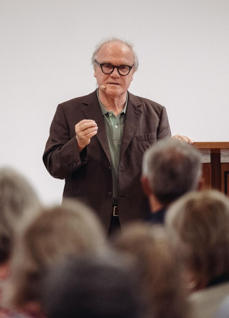 Michael Köhlmeier bei der Eröffnungsansprache des Literaricum Lech