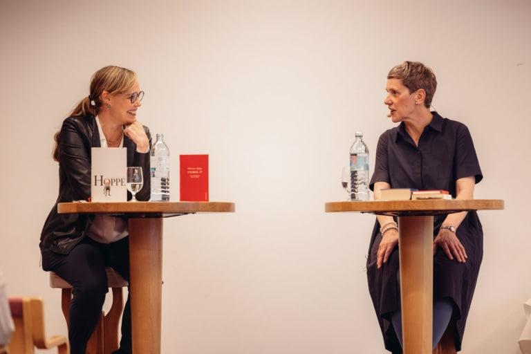 Nicola Steiner spricht mit Felicitas Hoppe auf dem Literaturfestival in Vorarlberg