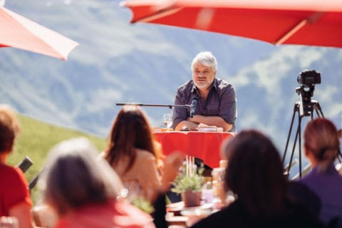 Schriftsteller Raoul Schrott hält einen Vortrag auf dem Literaricum Lech