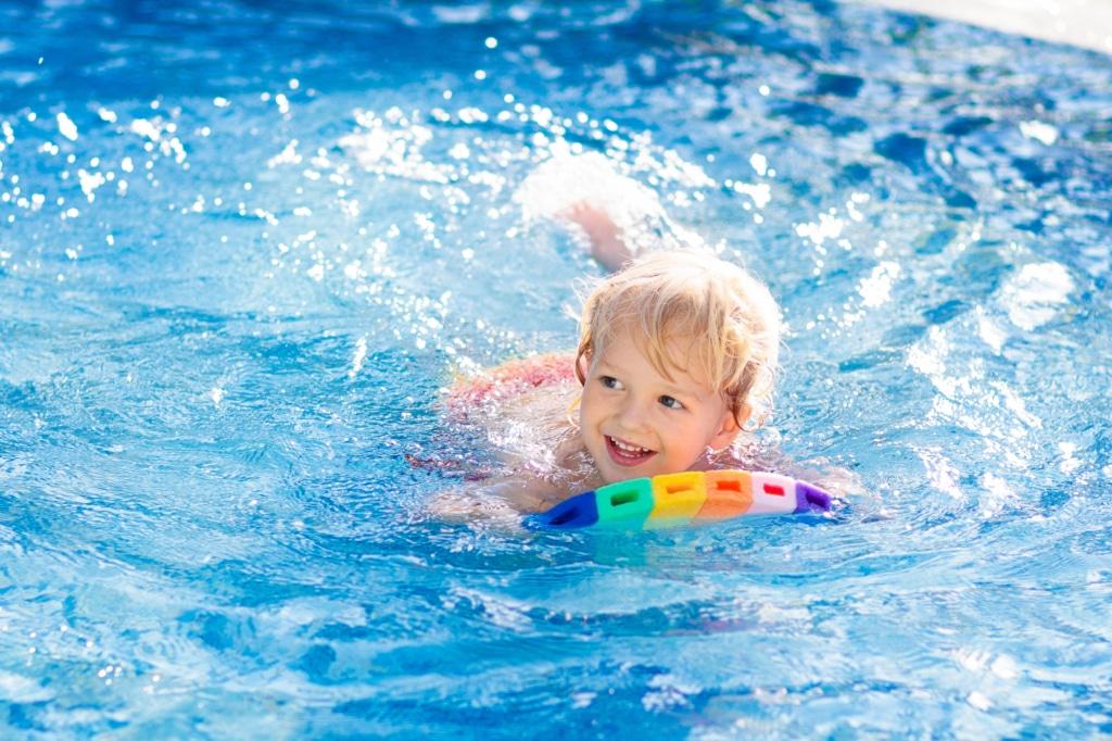 Schwimmkurs im Hotel Sonnenburg in Lech am Arlberg
